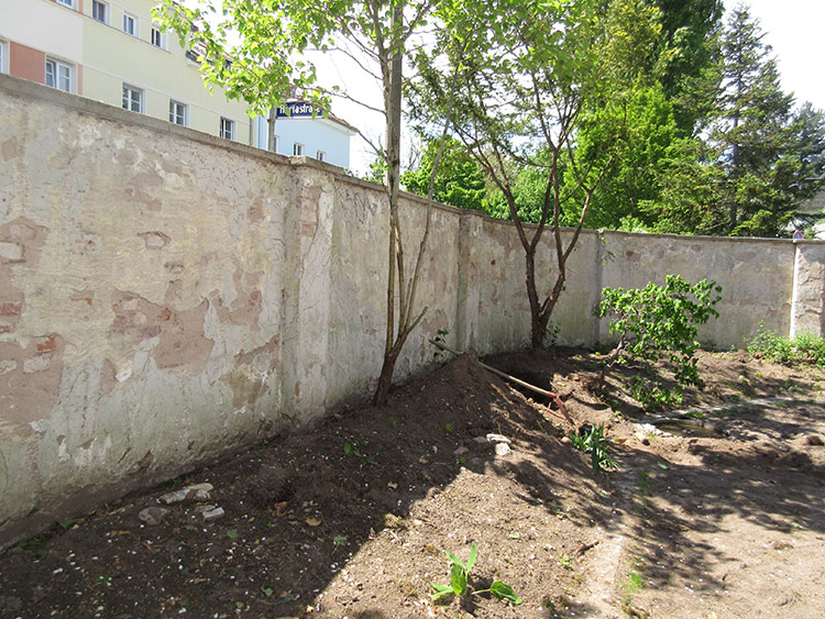 abdichtung sanierung einer grundst cksmauer von isotec k hler aus wendelstein. Black Bedroom Furniture Sets. Home Design Ideas
